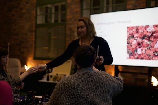 Doft workshop - Karolina in action